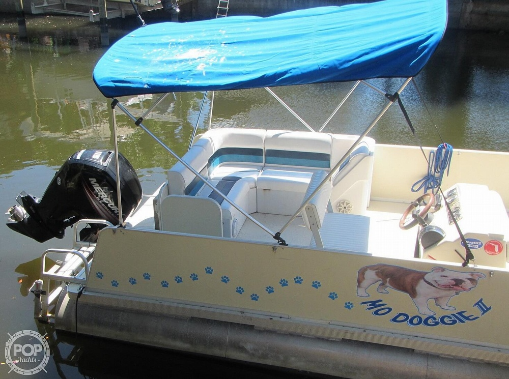 2005 Fiesta boat for sale, model of the boat is Grande 24 Family Fisher Fish & Fun L Custom & Image # 26 of 40
