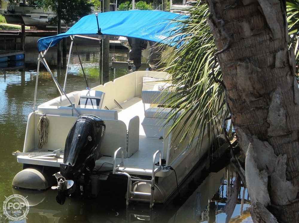 2005 Fiesta boat for sale, model of the boat is Grande 24 Family Fisher Fish & Fun L Custom & Image # 27 of 40