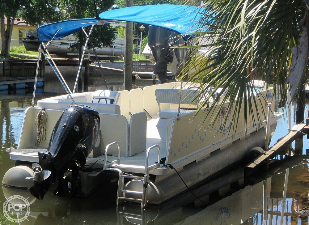 2005 Fiesta boat for sale, model of the boat is Grande 24 Family Fisher Fish & Fun L Custom & Image # 10 of 40