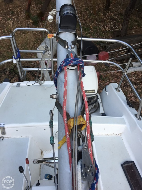 1990 Macgregor boat for sale, model of the boat is 26 & Image # 28 of 32