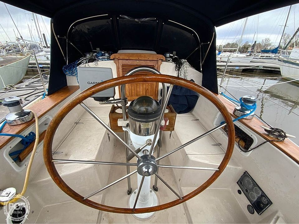 1986 Aloha Pontoons boat for sale, model of the boat is 32 & Image # 4 of 40
