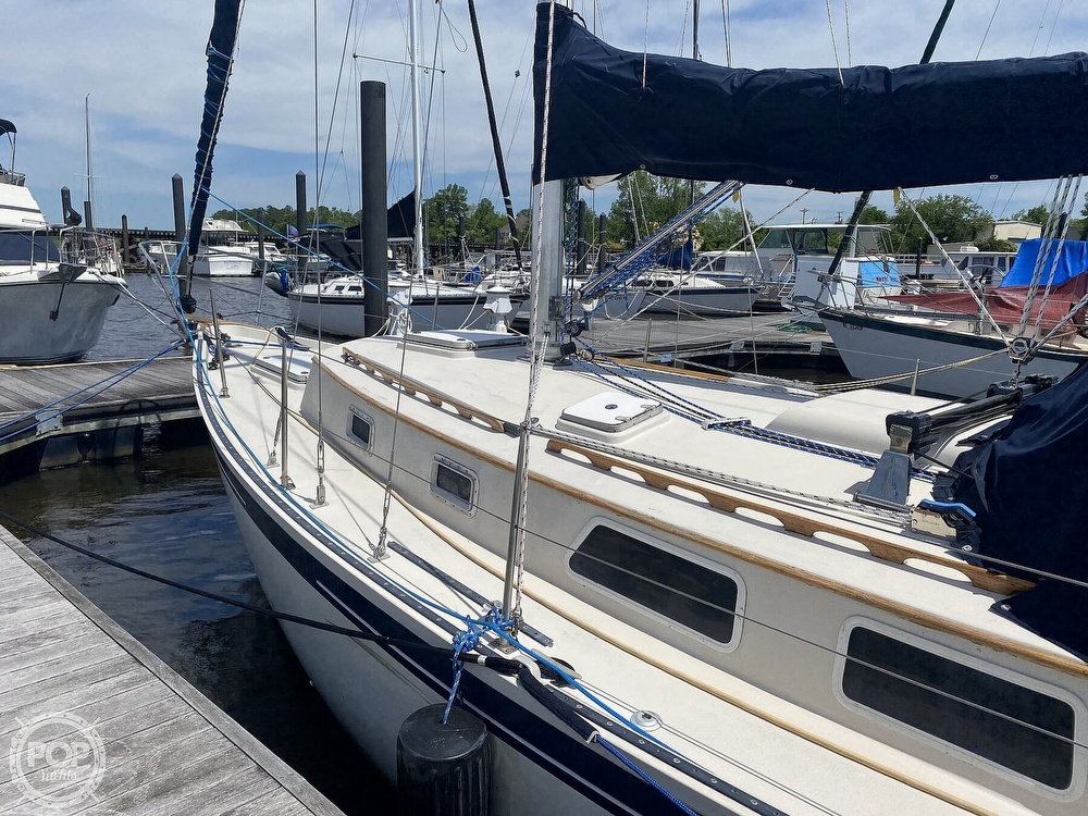 1986 Aloha Pontoons boat for sale, model of the boat is 32 & Image # 8 of 40