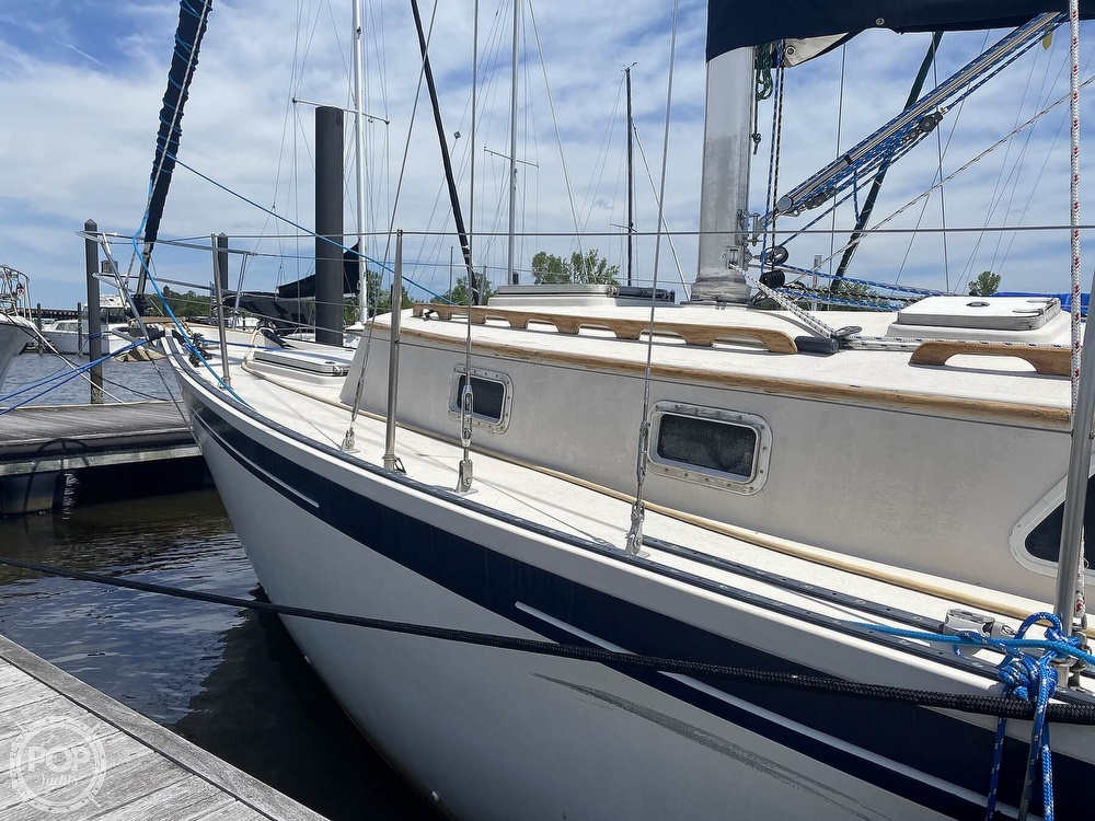 1986 Aloha Pontoons boat for sale, model of the boat is 32 & Image # 9 of 40