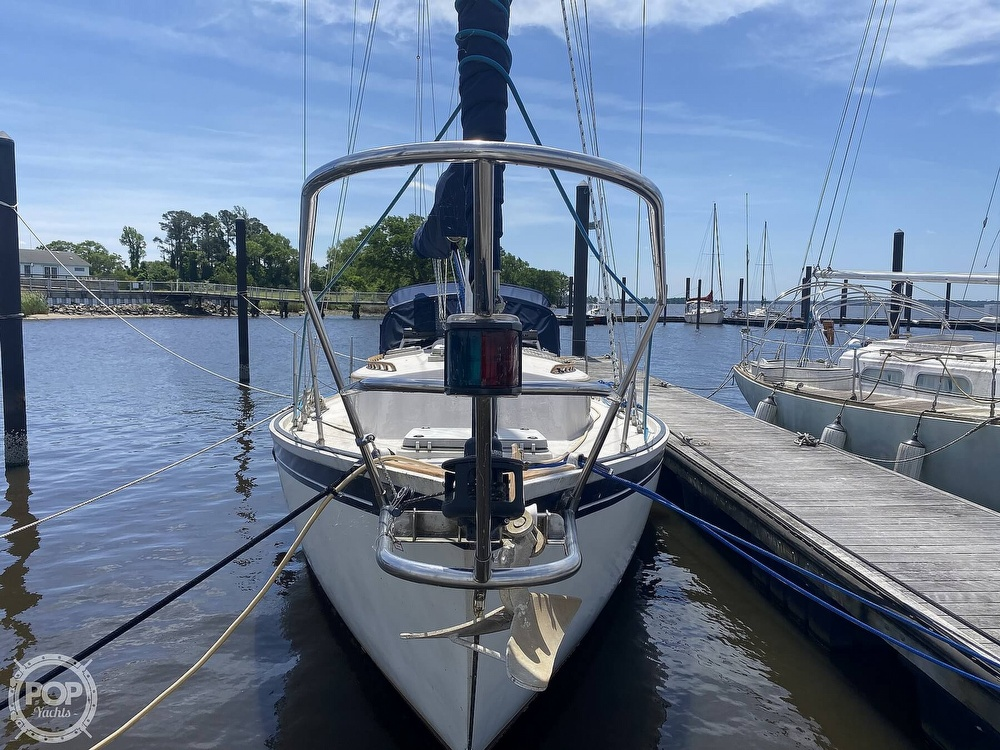1986 Aloha Pontoons boat for sale, model of the boat is 32 & Image # 12 of 40