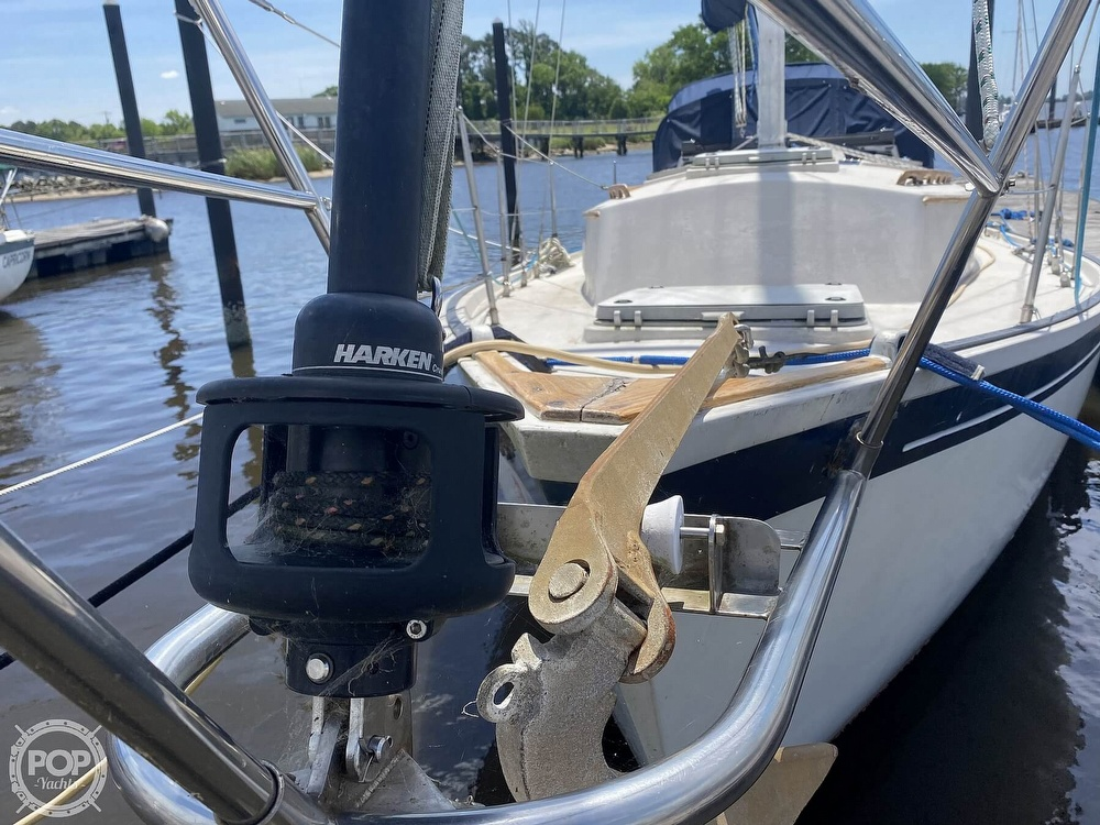 1986 Aloha Pontoons boat for sale, model of the boat is 32 & Image # 17 of 40