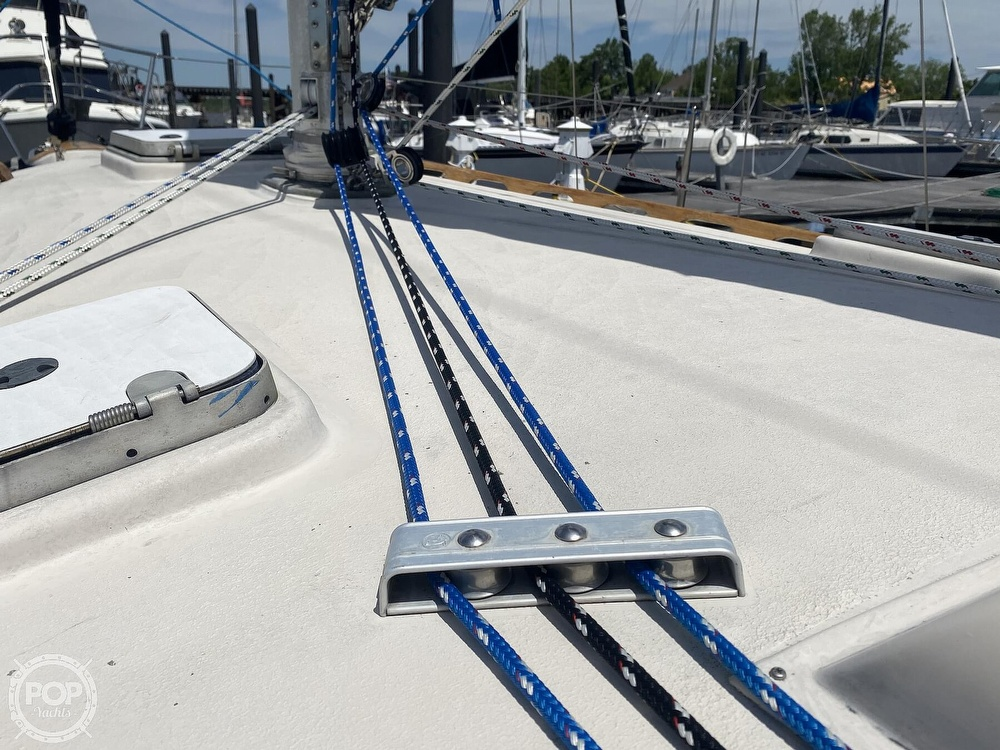 1986 Aloha Pontoons boat for sale, model of the boat is 32 & Image # 26 of 40