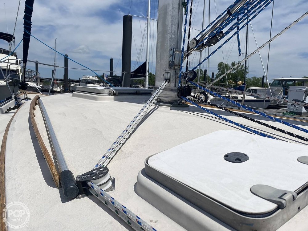 1986 Aloha Pontoons boat for sale, model of the boat is 32 & Image # 27 of 40
