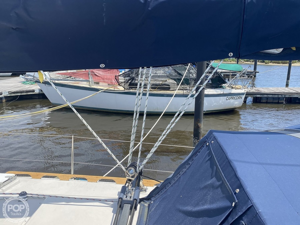 1986 Aloha Pontoons boat for sale, model of the boat is 32 & Image # 30 of 40