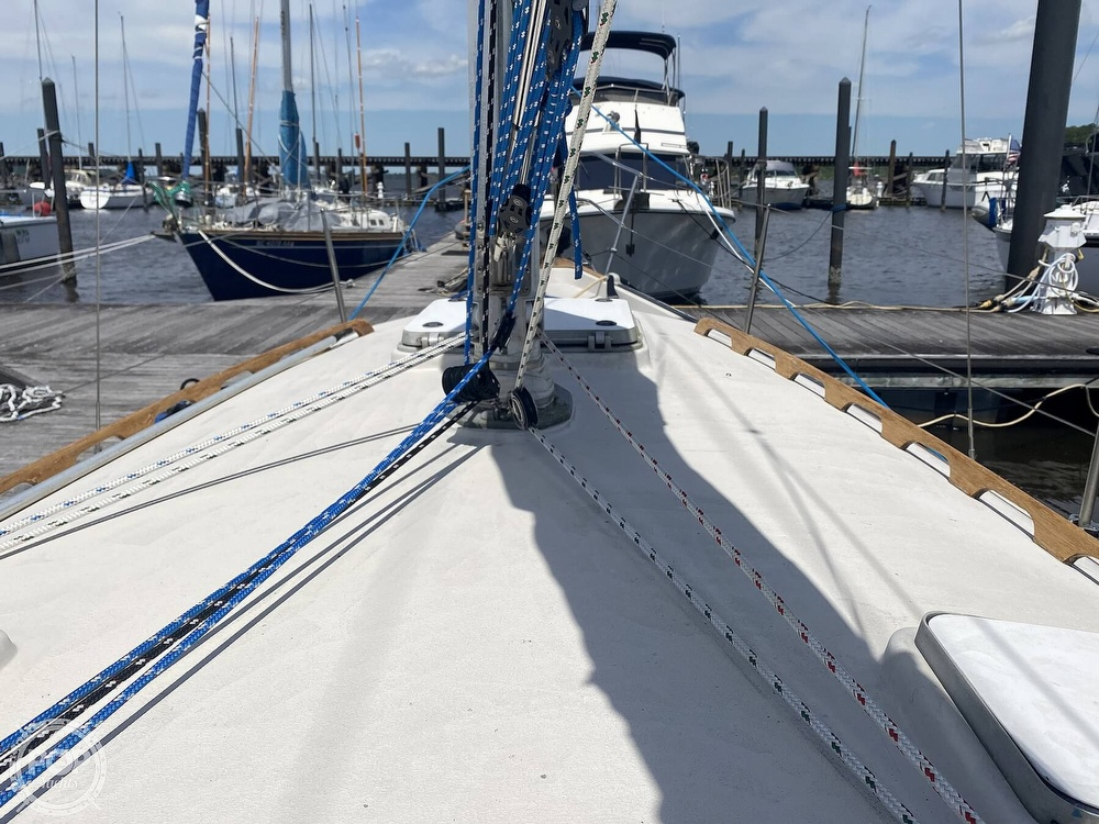 1986 Aloha Pontoons boat for sale, model of the boat is 32 & Image # 31 of 40