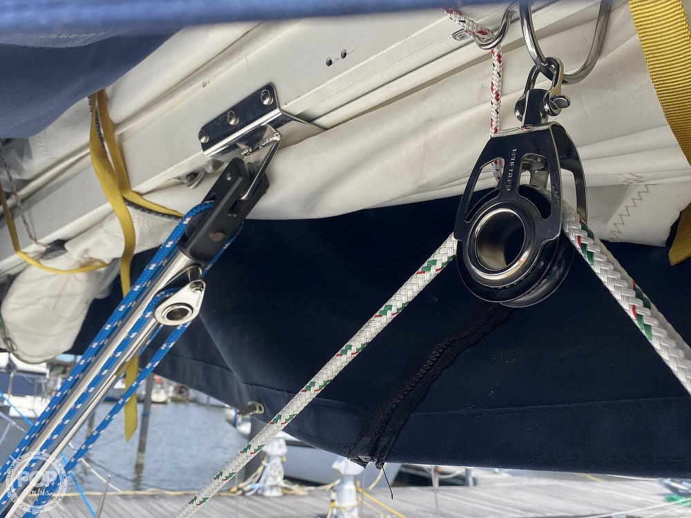 1986 Aloha Pontoons boat for sale, model of the boat is 32 & Image # 32 of 40