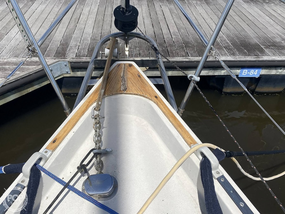 1986 Aloha Pontoons boat for sale, model of the boat is 32 & Image # 39 of 40