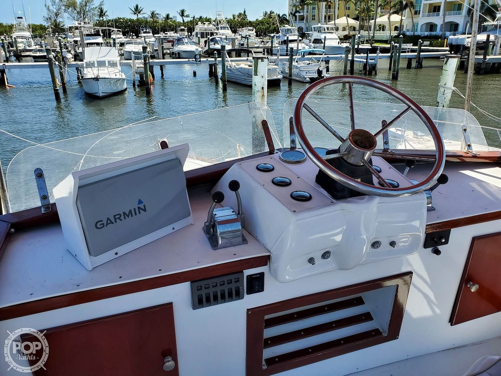 1961 Chris Craft boat for sale, model of the boat is Fly Bridge Sea Skiff & Image # 11 of 40