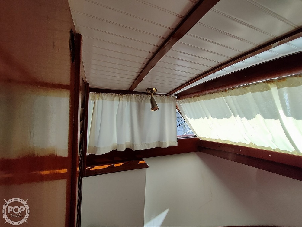 1961 Chris Craft boat for sale, model of the boat is Fly Bridge Sea Skiff & Image # 31 of 40