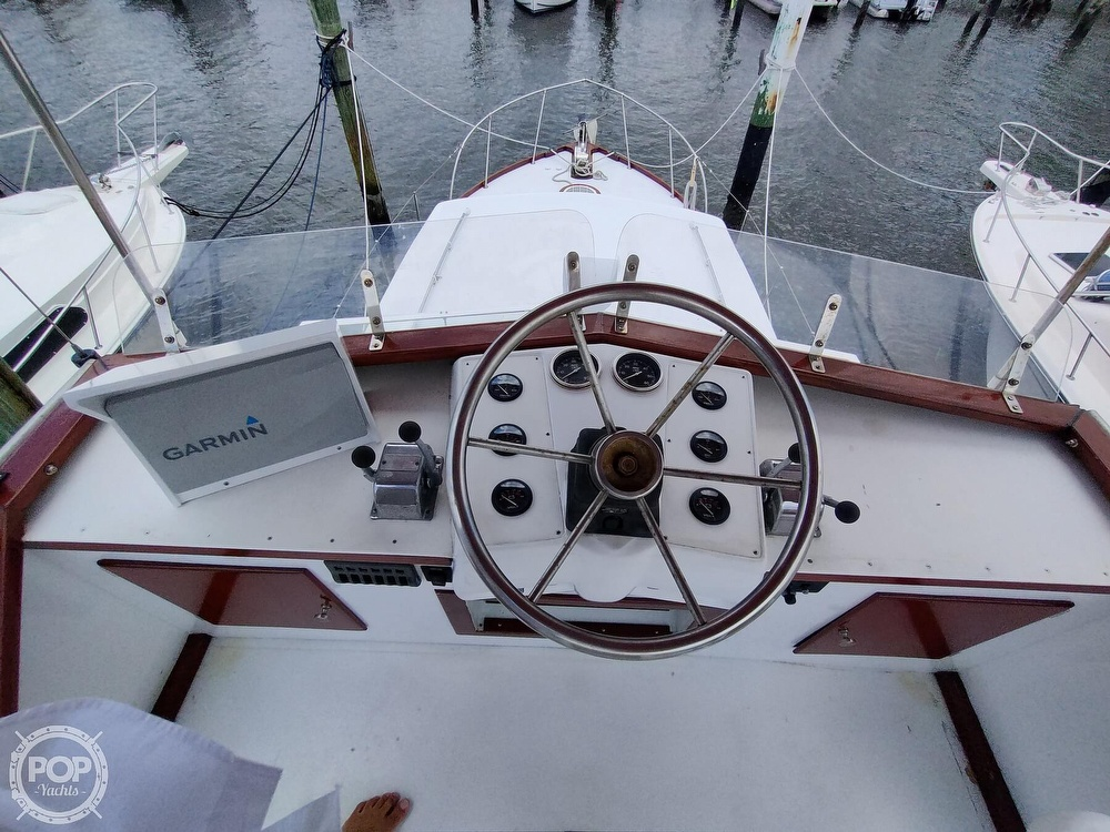 1961 Chris Craft boat for sale, model of the boat is Fly Bridge Sea Skiff & Image # 6 of 40