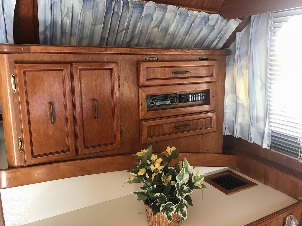 1988 Egg Harbor boat for sale, model of the boat is 33 Convertible & Image # 12 of 40