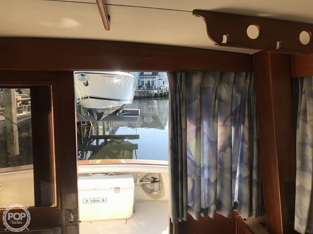1988 Egg Harbor boat for sale, model of the boat is 33 Convertible & Image # 19 of 40