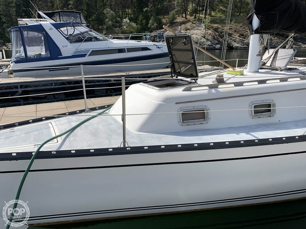 1980 Hunter boat for sale, model of the boat is 33 & Image # 2 of 40