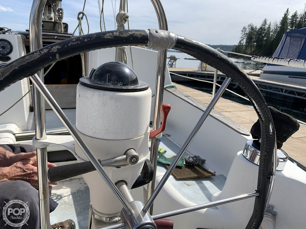 1980 Hunter boat for sale, model of the boat is 33 & Image # 21 of 40