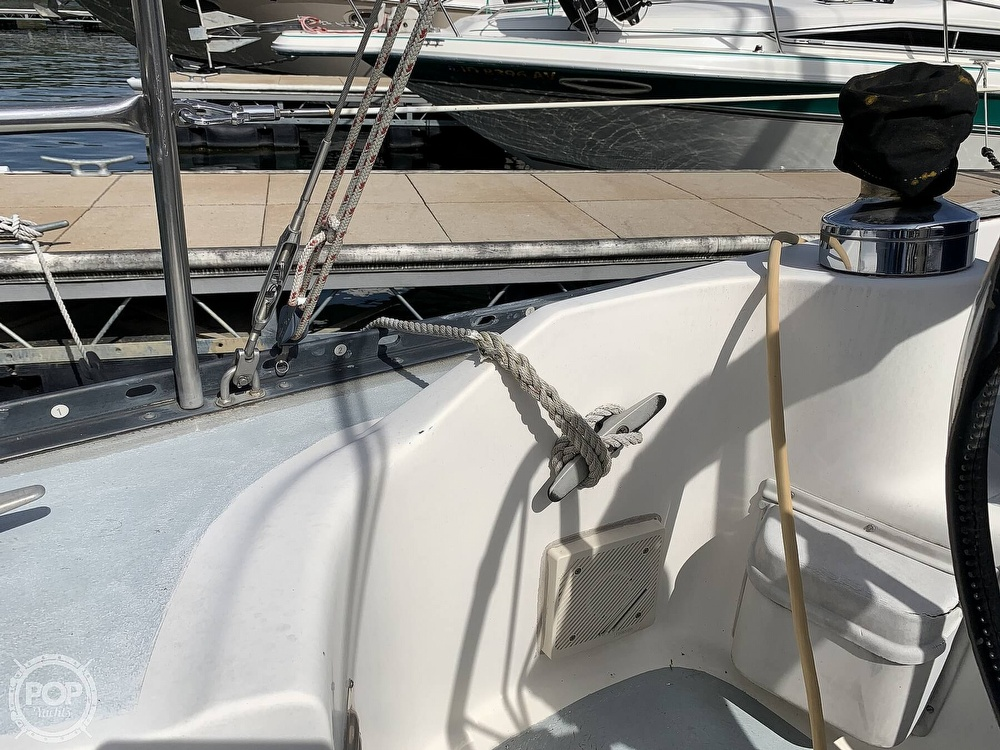 1980 Hunter boat for sale, model of the boat is 33 & Image # 36 of 40