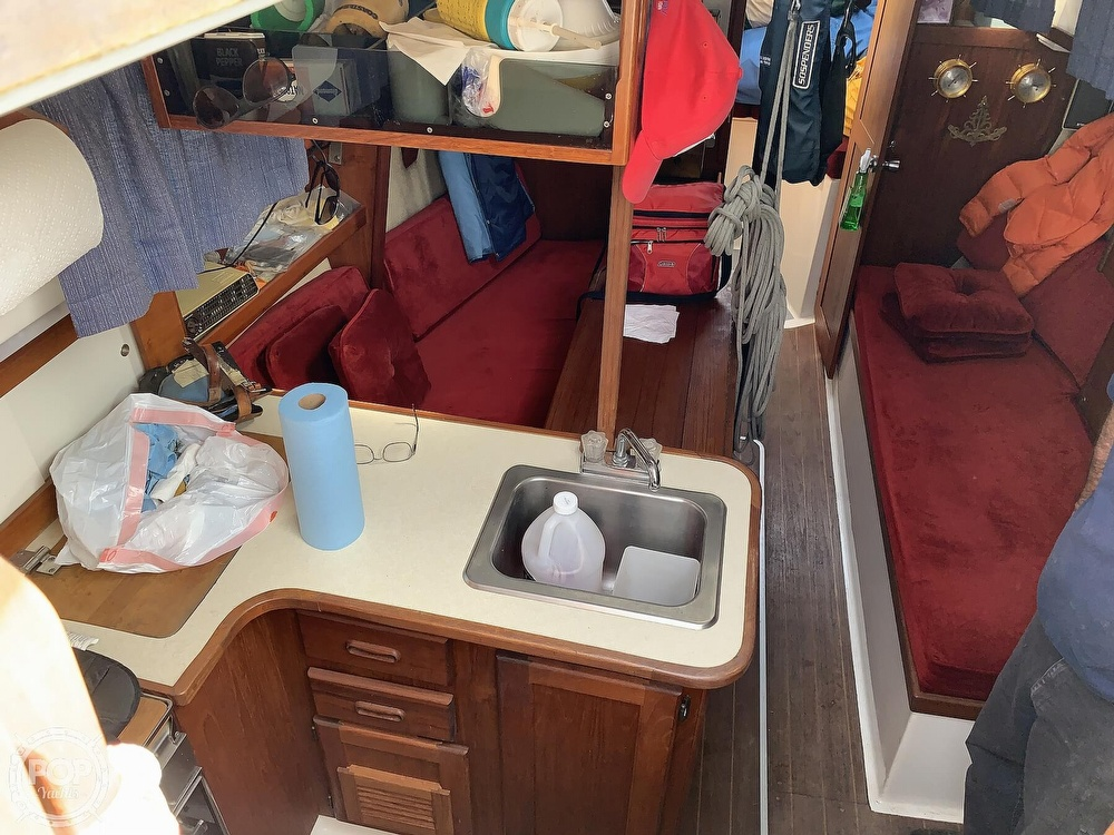 1980 Hunter boat for sale, model of the boat is 33 & Image # 8 of 40