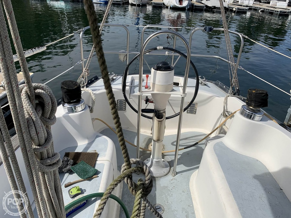 1980 Hunter boat for sale, model of the boat is 33 & Image # 29 of 40
