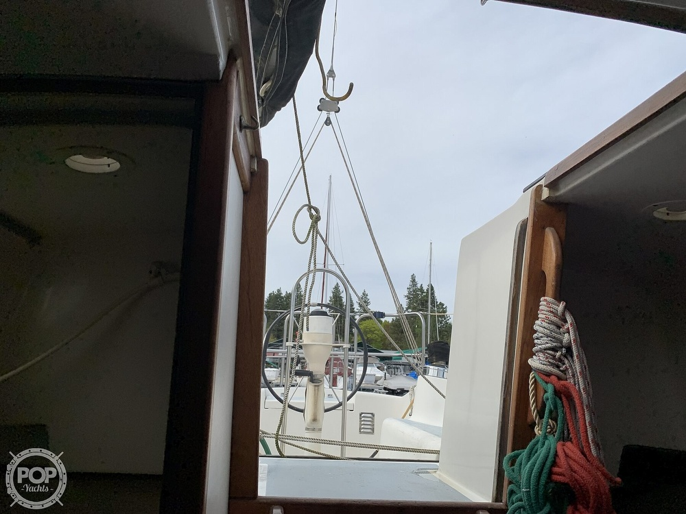 1980 Hunter boat for sale, model of the boat is 33 & Image # 4 of 40