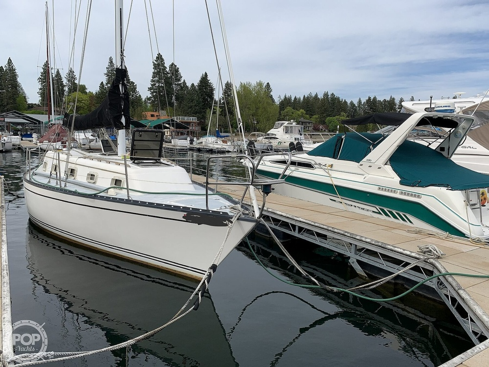 1980 Hunter boat for sale, model of the boat is 33 & Image # 5 of 40