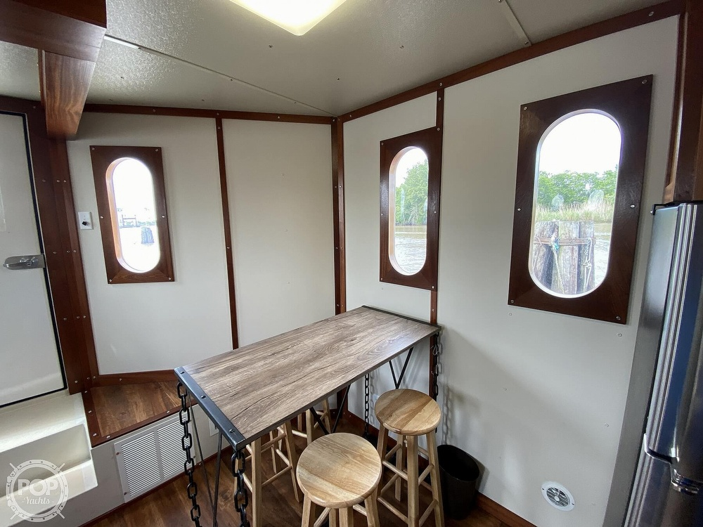 1996 Custom boat for sale, model of the boat is In 2020 Houseboat/Deckhouse on Lakeview Hull & Image # 10 of 40