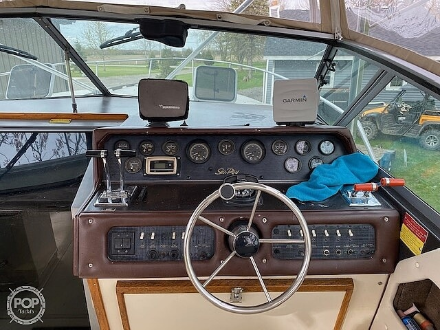 1986 Sea Ray boat for sale, model of the boat is 300 Weekender & Image # 12 of 16