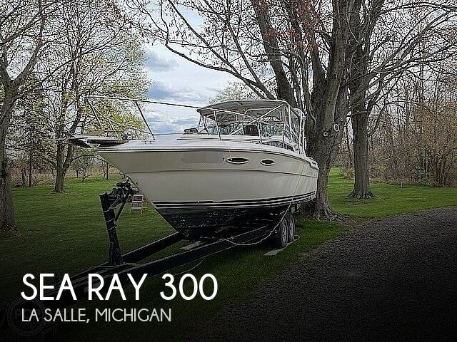 1986 Sea Ray boat for sale, model of the boat is 300 Weekender & Image # 1 of 16