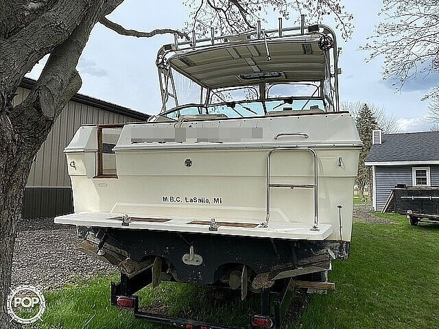 1986 Sea Ray boat for sale, model of the boat is 300 Weekender & Image # 3 of 16