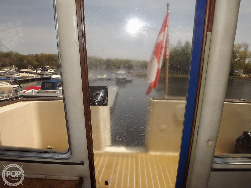 1984 Chris Craft boat for sale, model of the boat is Corinthian 380 & Image # 29 of 40