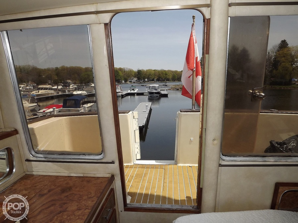 1984 Chris Craft boat for sale, model of the boat is Corinthian 380 & Image # 28 of 40