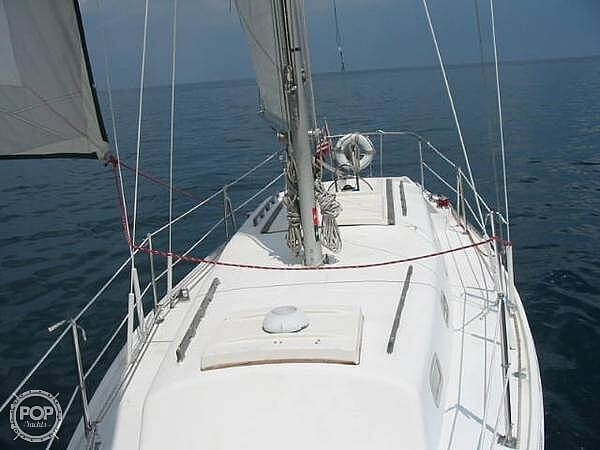 1972 Columbia boat for sale, model of the boat is 28 & Image # 4 of 17