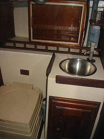 1972 Columbia boat for sale, model of the boat is 28 & Image # 8 of 17