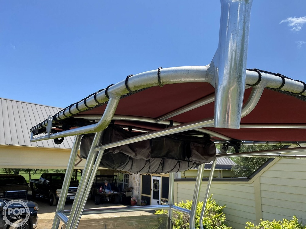 2005 Explorer boat for sale, model of the boat is 210 Tunnel Vee & Image # 22 of 40