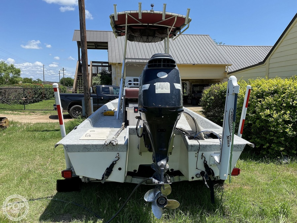 2005 Explorer boat for sale, model of the boat is 210 Tunnel Vee & Image # 3 of 40