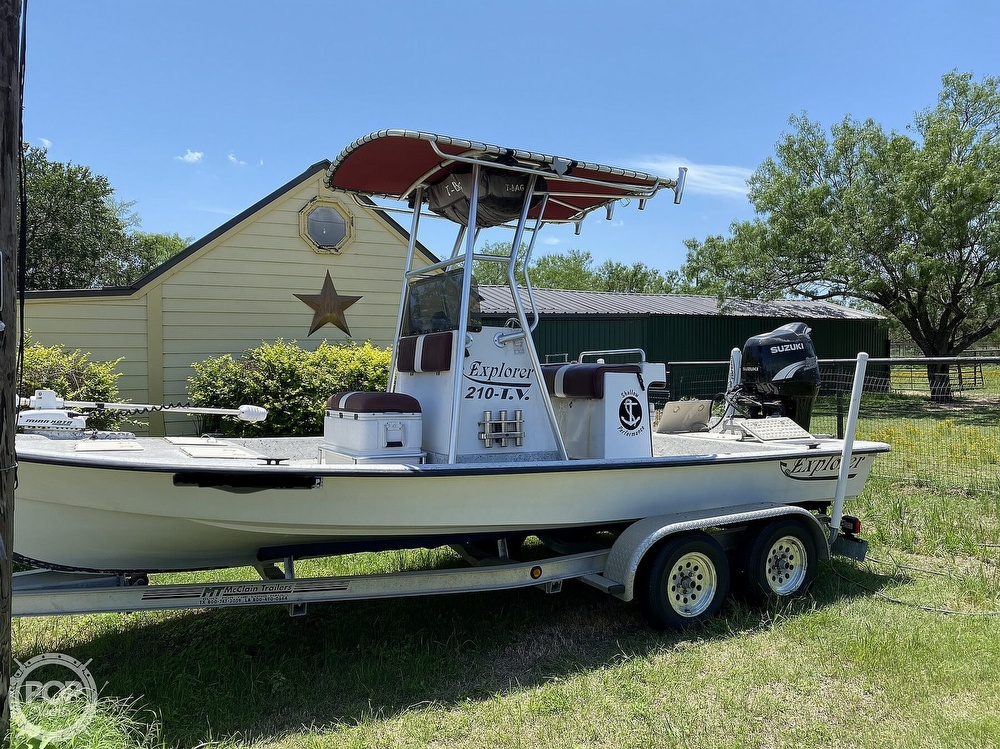 2005 Explorer boat for sale, model of the boat is 210 Tunnel Vee & Image # 9 of 40