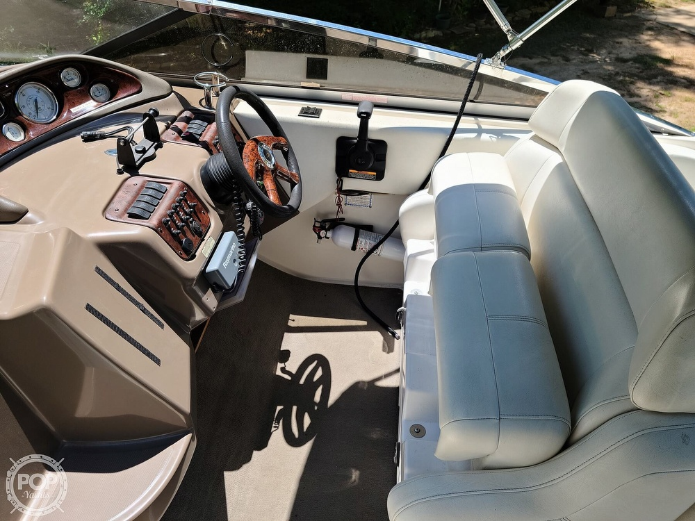 2005 Regal boat for sale, model of the boat is Commodore 2665 & Image # 20 of 40
