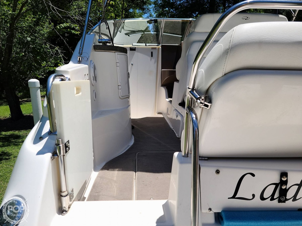 2005 Regal boat for sale, model of the boat is Commodore 2665 & Image # 14 of 40