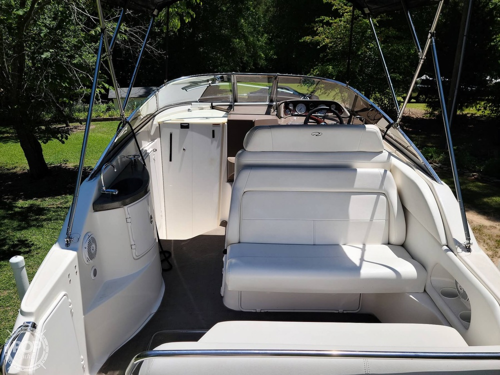 2005 Regal boat for sale, model of the boat is Commodore 2665 & Image # 7 of 40