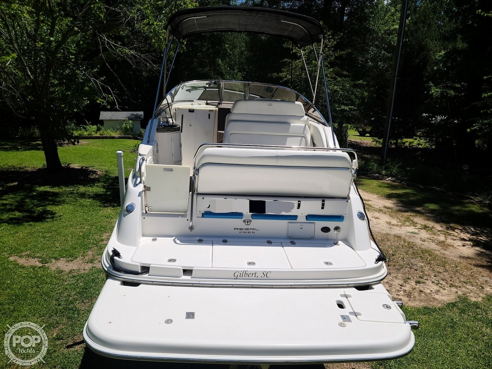 2005 Regal boat for sale, model of the boat is Commodore 2665 & Image # 16 of 40