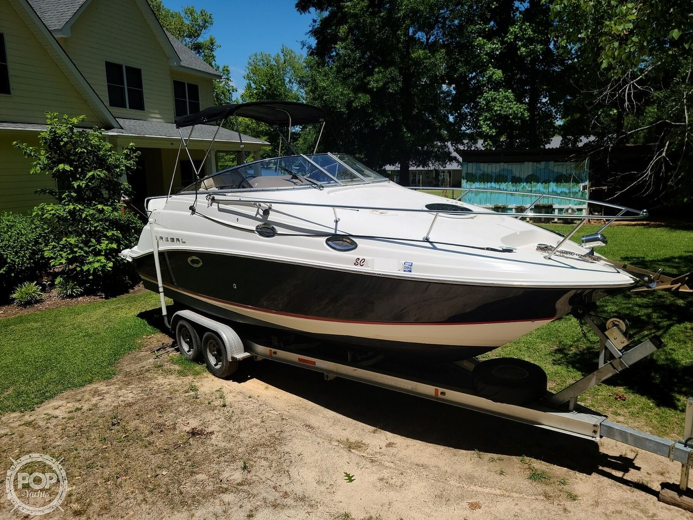 2005 Regal boat for sale, model of the boat is Commodore 2665 & Image # 15 of 40