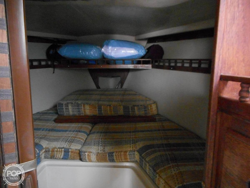 1982 Catalina Yachts boat for sale, model of the boat is 30 & Image # 13 of 15