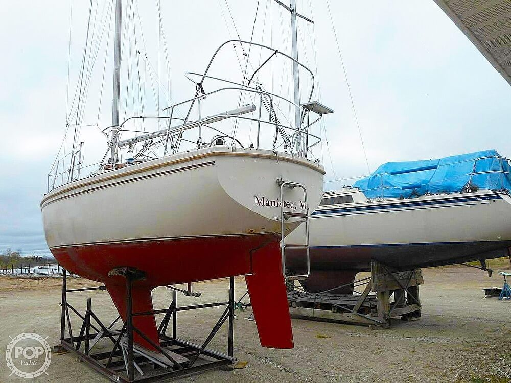 1982 Catalina Yachts boat for sale, model of the boat is 30 & Image # 14 of 15