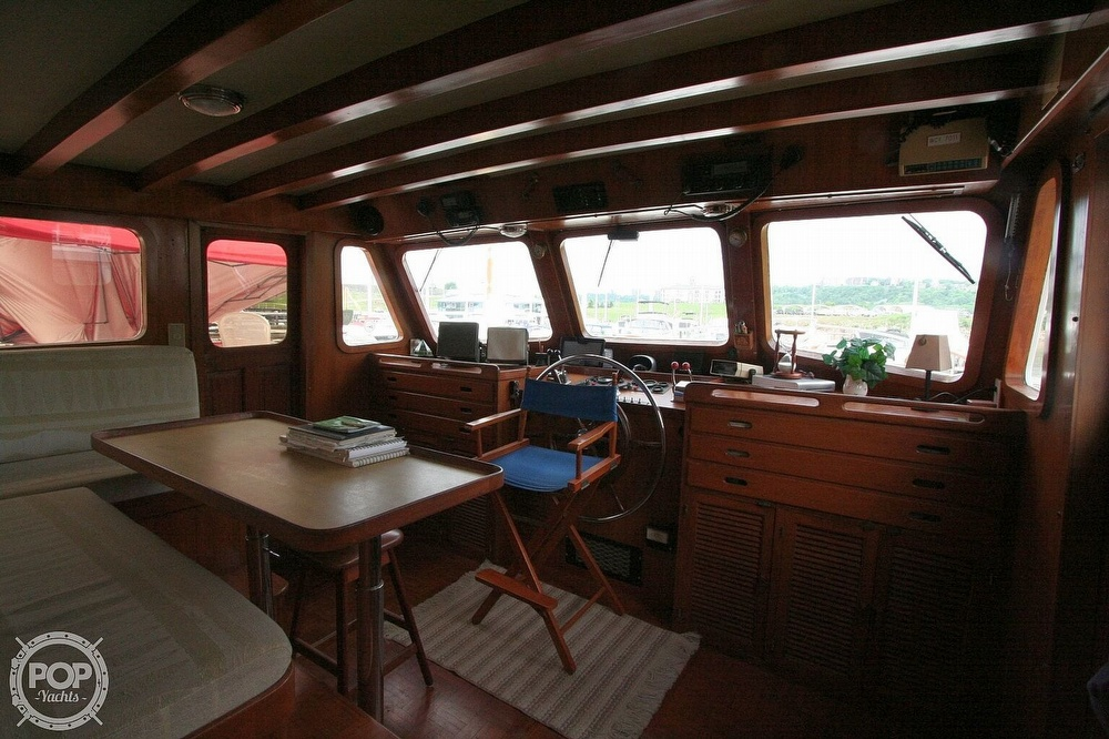 1984 Defever boat for sale, model of the boat is 49 Pilothouse & Image # 10 of 40