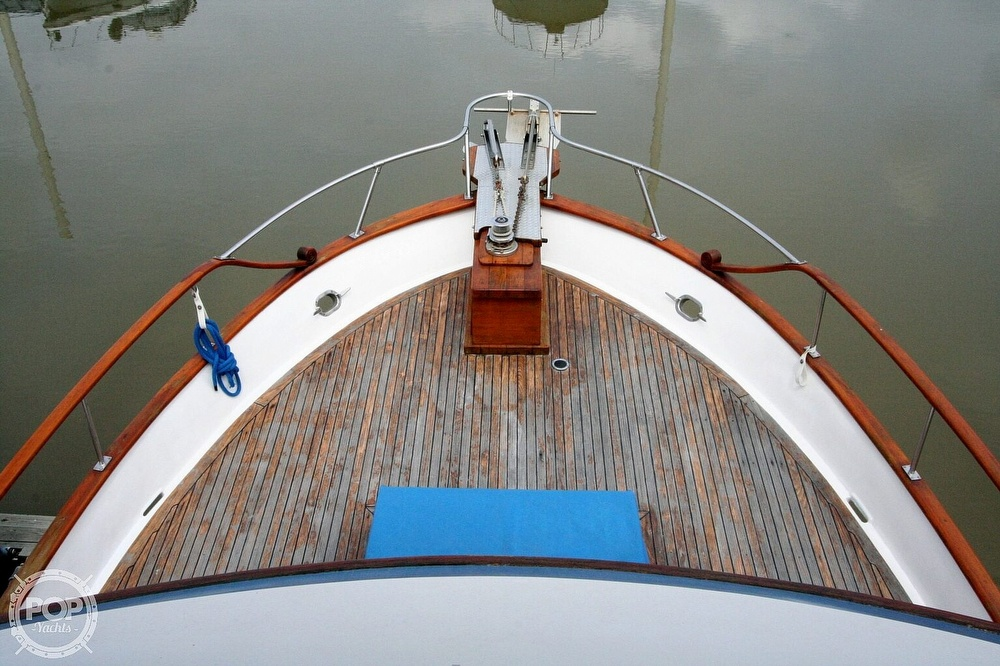 1984 Defever boat for sale, model of the boat is 49 Pilothouse & Image # 39 of 40