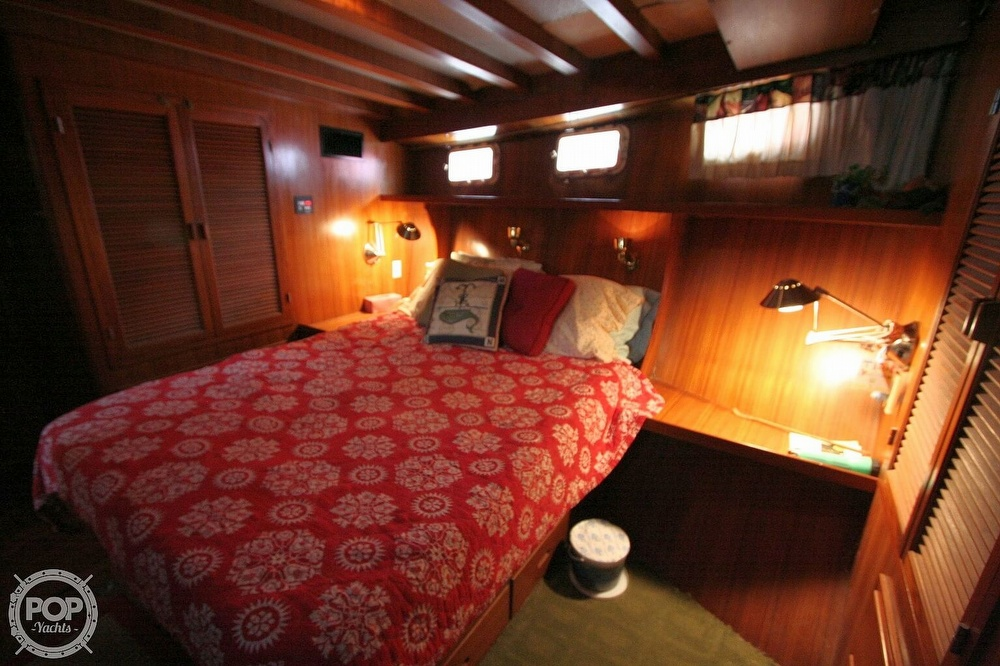 1984 Defever boat for sale, model of the boat is 49 Pilothouse & Image # 7 of 40