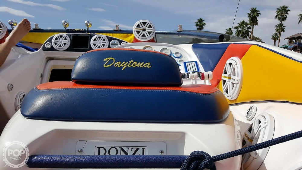 2001 Donzi boat for sale, model of the boat is Daytona 33 & Image # 3 of 15