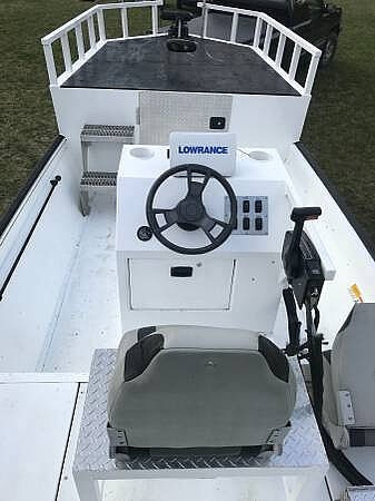 2014 Lowe boat for sale, model of the boat is 2070 Roughneck & Image # 2 of 40